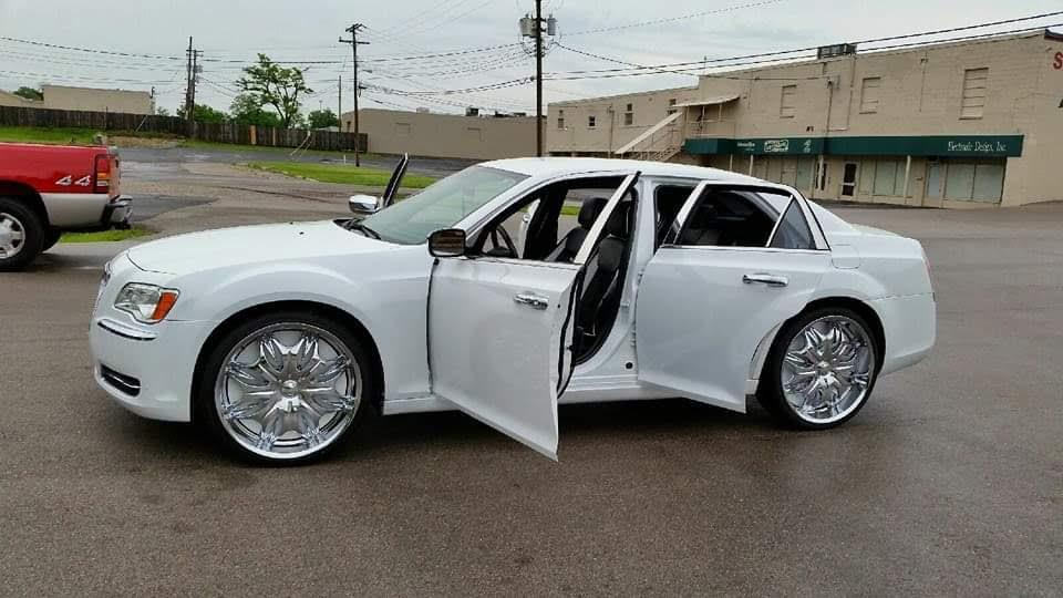 Chrysler 300 Custom Seats