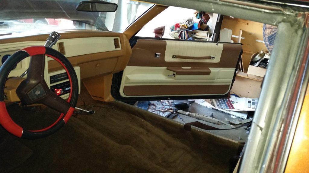 Custom Auto Interior – Brown & Cream